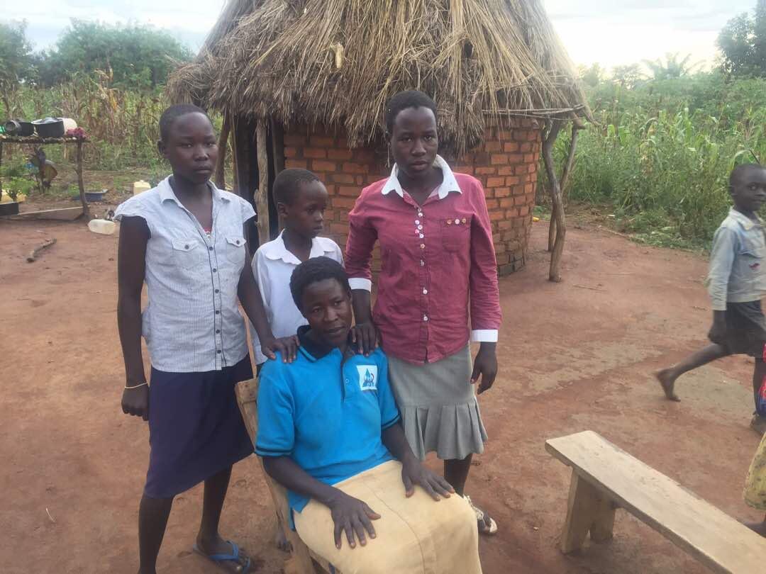 Akol-children